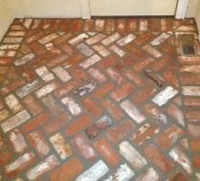 thumbs_thin-brick-floor