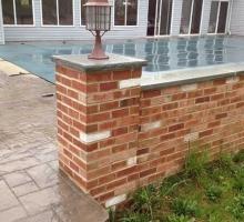 thumbs_thin-brick-patio-wall